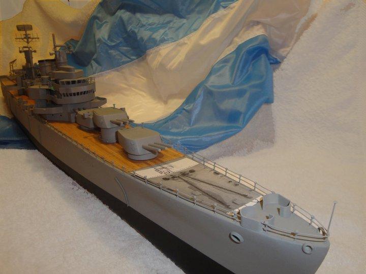 Maqueta escala 1:200 del Crucero General Belgrano